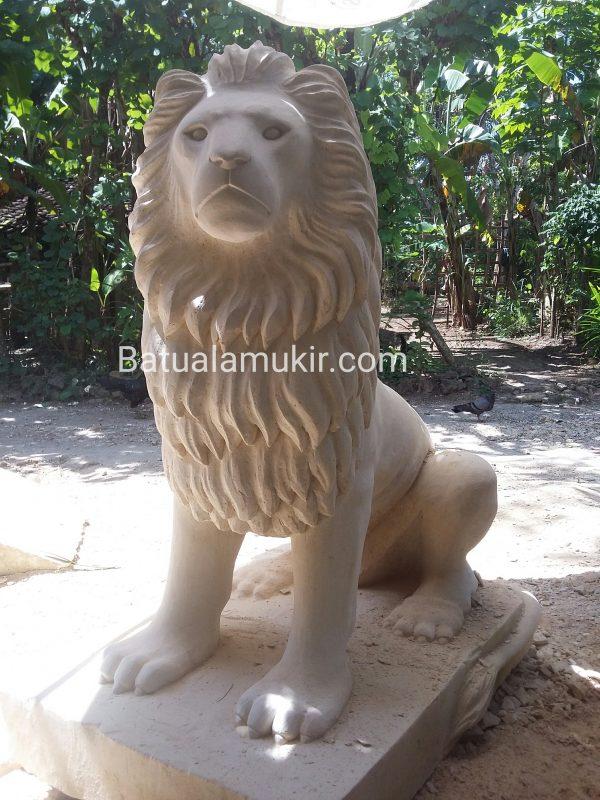 patung singa
