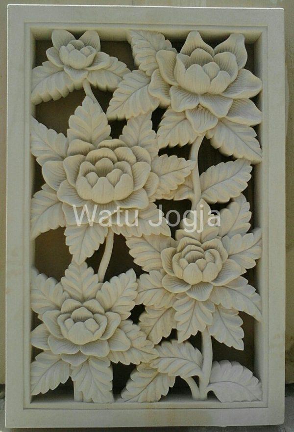 relief bunga mawar